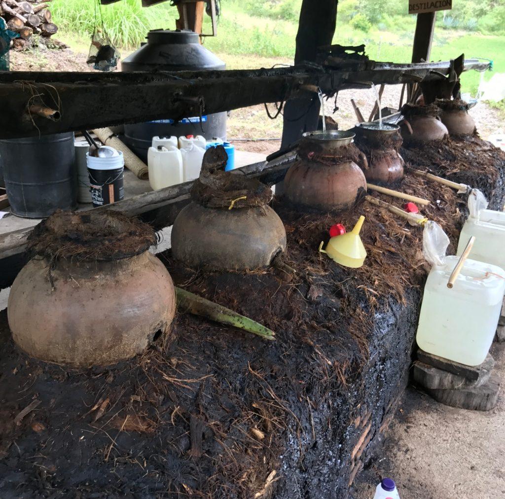 Fábrica de mezcal tradicional